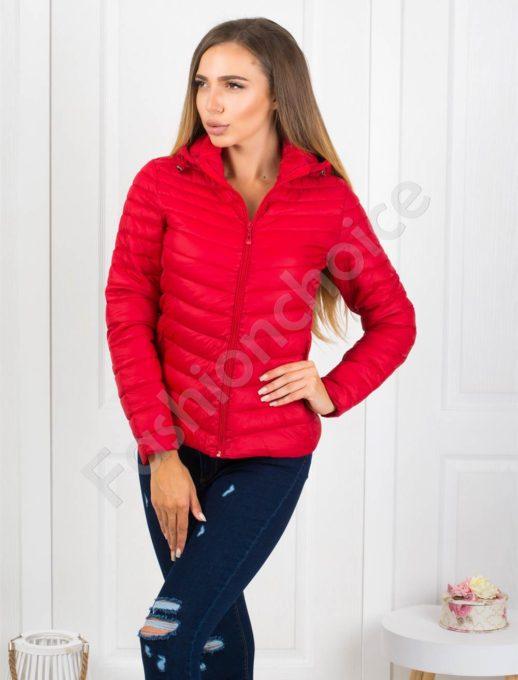 Плътно шушляково дамско яке в червено