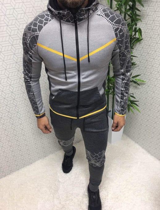 Мъжки спортен комплект в сиво със сребърна апликация-код 366-1