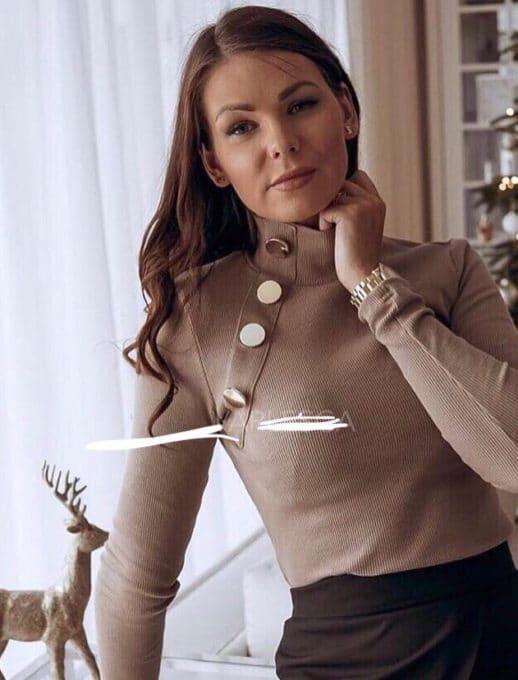 Дамска блуза полуполо с копчета - бежов Код 1286-3