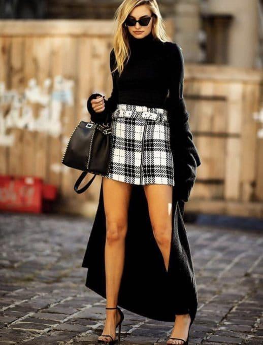 Елегантна дамска пола в черно-бяло каре-код 561