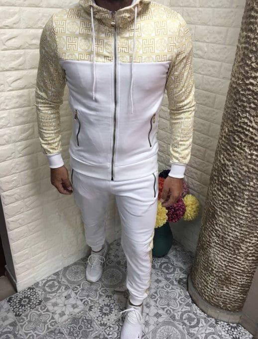 Мъжки спортен комплект в бяло със златна апликация-код 336