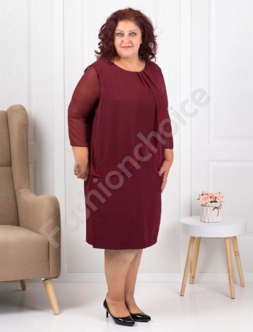 Очарователно красива макси рокля в бордо с нежни камъни