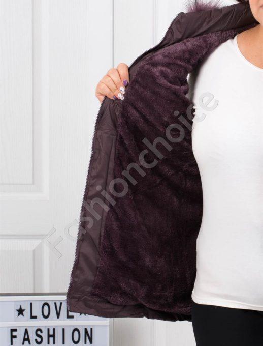 Зимна макси грейка с качулка с еко косъм в тъмно лилаво-код 1926