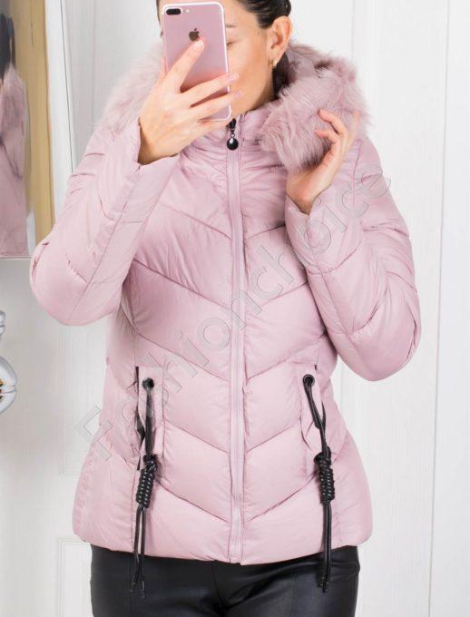 Зимно дамско яке в розово с кожен аксесоар на джобовете