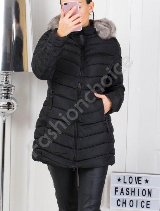 Дълго зимно дамско яке в черно с бял пух по качулката