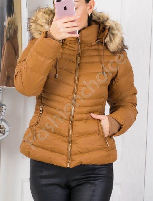 Зимно дамско яке със сваляща се качулка в цвят камел