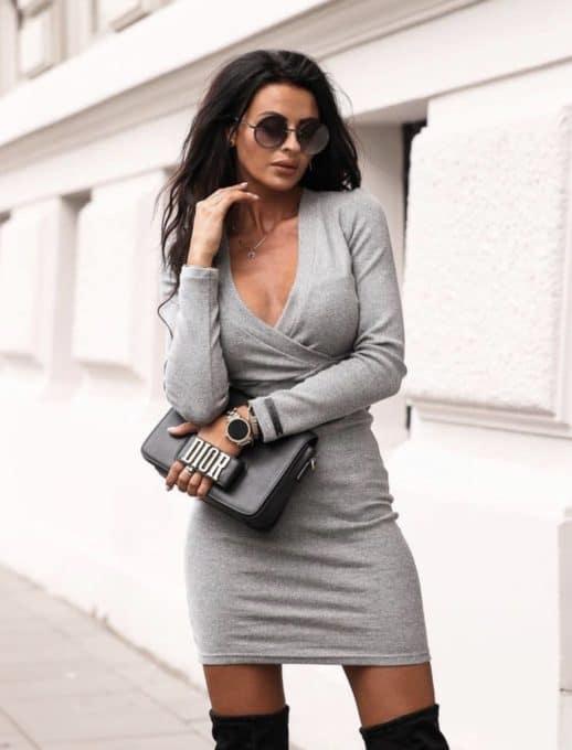 Дамска рокля с деколте тип прегърни ме - сиво Код 1326
