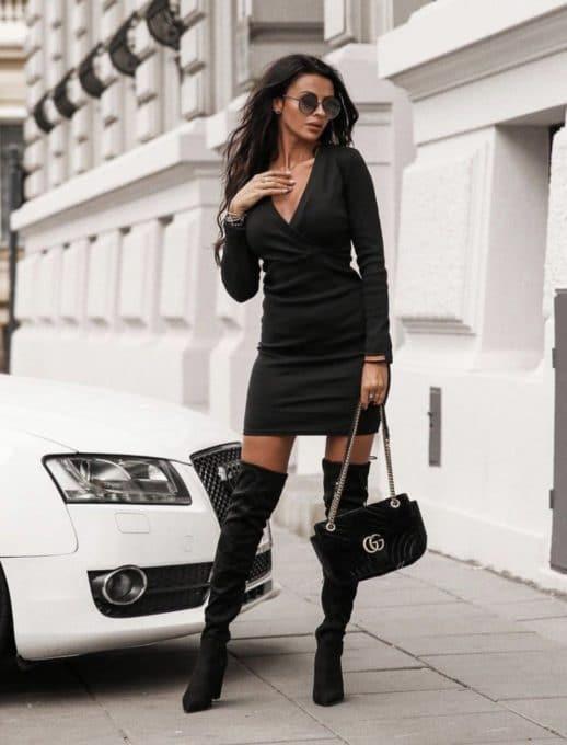 Дамска рокля с деколте тип прегърни ме - черно Код 1326-2