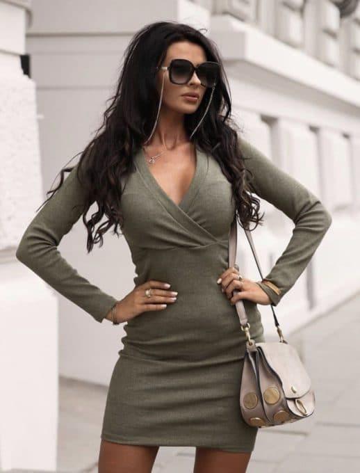 Дамска рокля с деколте тип прегърни ме- цвят каки Код 1326-1