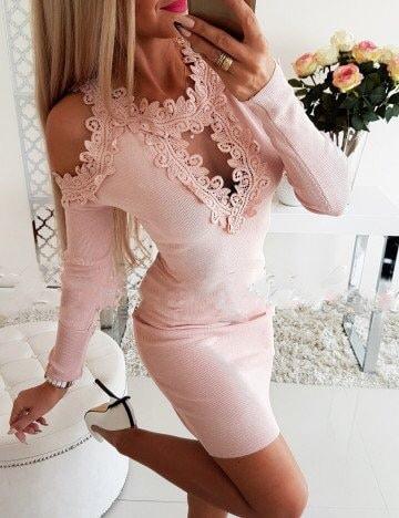 Елегантна рокля в розово с дантела и голи рамене Код 1356-6