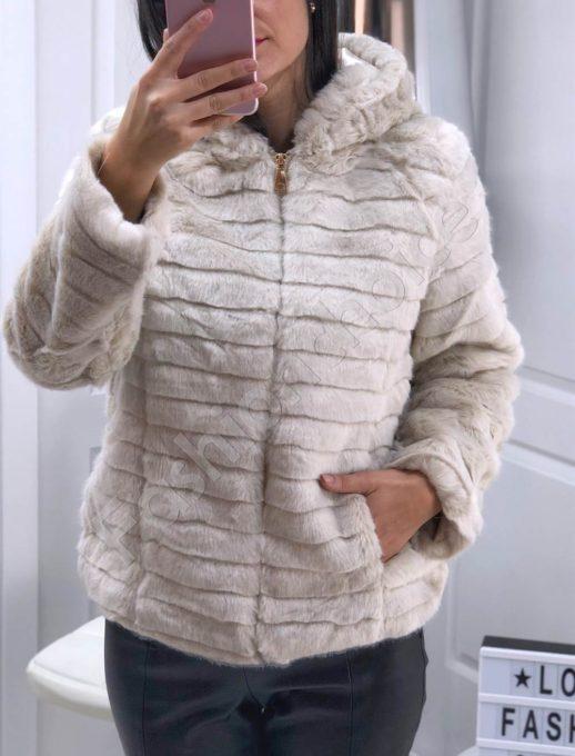 Разкошно късо палто от еко косъм в бежово-Код 16007-1