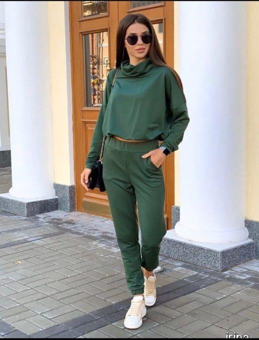 Спортно-елегантен дамски сет в маслено зелено-Код 258-1