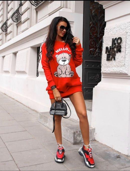 Спортна рокля в червено с апликация Код 257-1