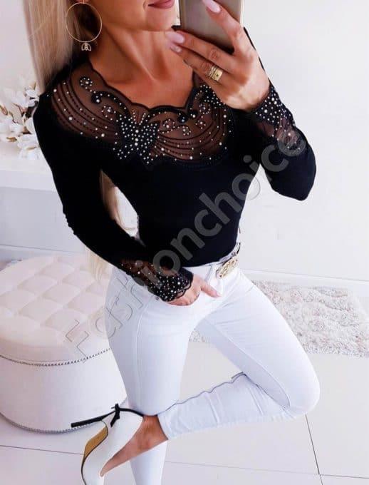 Красива дамска блуза в черно с изящно деколте-Код 1366-5