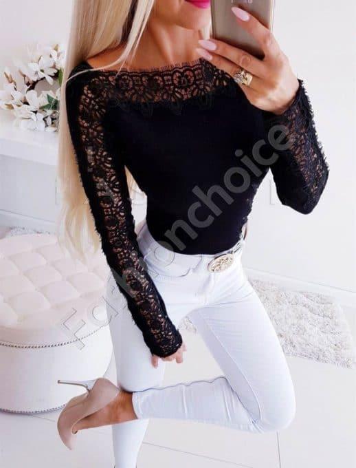 Дамска блуза с лодка деколте и дантела в черно