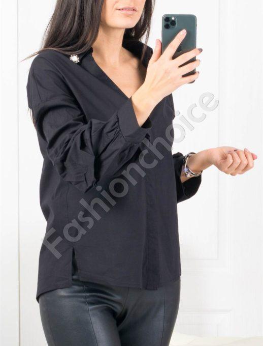 Риза с нестандартен ръкав в черен цвят Код 953-2011-1