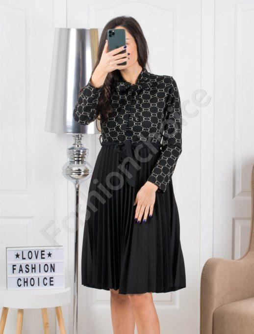 Елегантна рокля плисе в черно Код 324-2