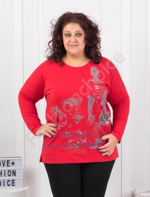 Комфортна макси блуза с модна щампа в червено- Код 6709