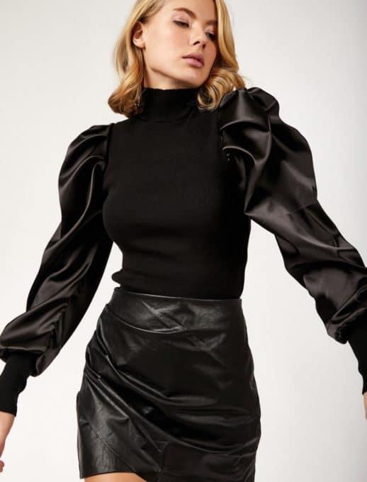 Дамска блуза с атрактивни ръкави от сатен-код 1387