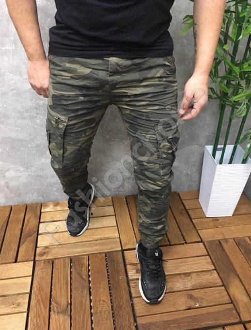 Мъжки спортен панталон в камуфлажен десен- каки Код 8588-1