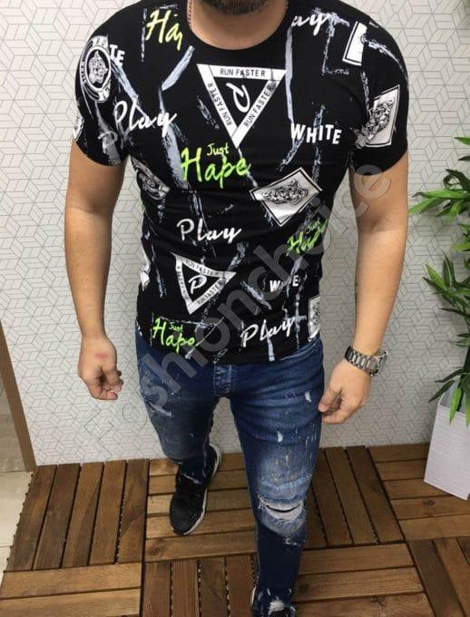 Мъжка тениска в черно с цветни надписи