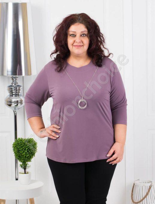 Едноцветна макси блуза с нежно колие в лила