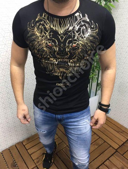 Мъжка тениска в черно със златна щампа