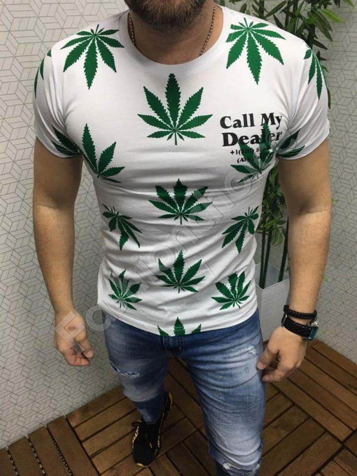 Мъжка тениска в бяло с модерна щампа