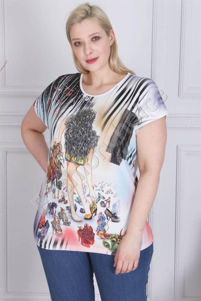Макси блузка с щампа момиче и бляскави камъчета в бяло-код 880-8