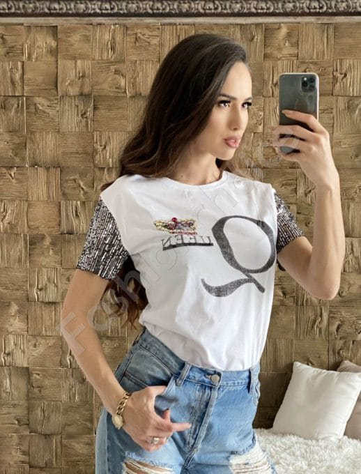 Модерна дамска блуза в бяло с надпис Queen-код 2003