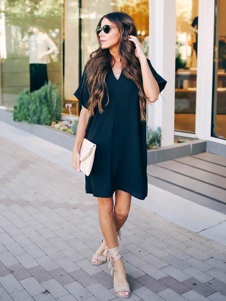 Спортно-елегантна рокля в класическо черно Код 108