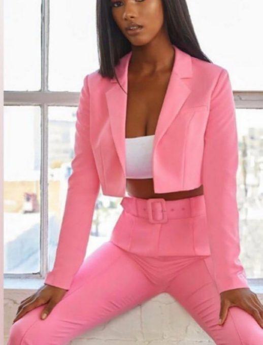 Дамски комплект от сако и панталон в розово код 921