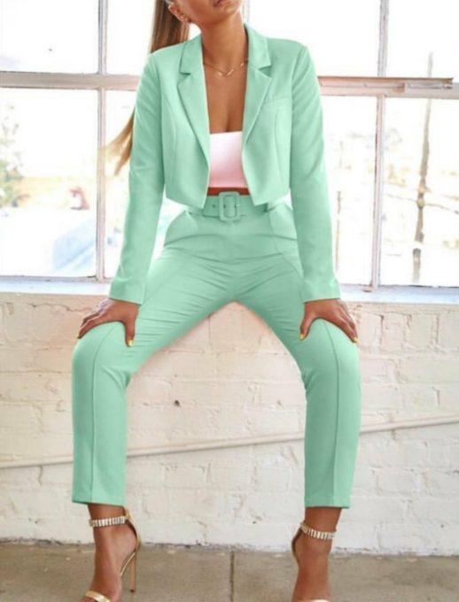 Дамски комплект от сако и панталон в мента код 921-3