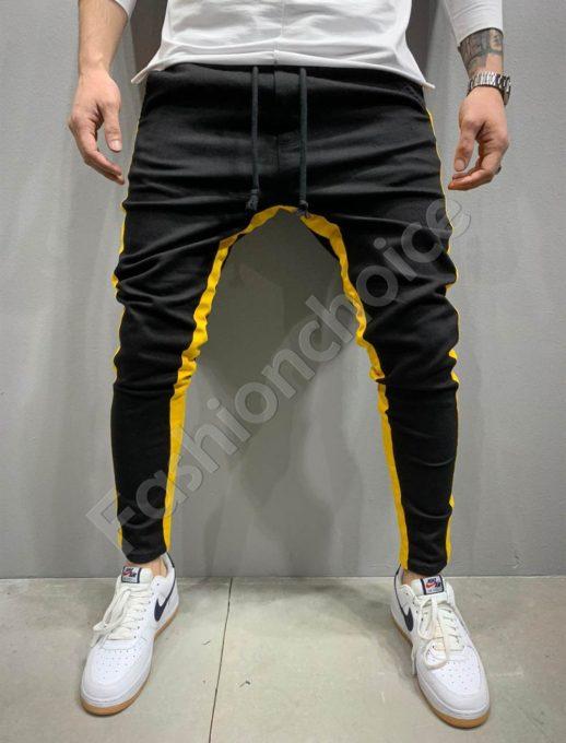 Мъжки спортен панталон в черно с жълт кант