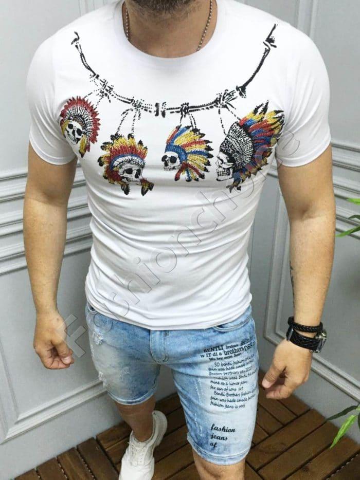 Мъжка тениска с интересни мотиви и камъчета в бяло-код 516-1