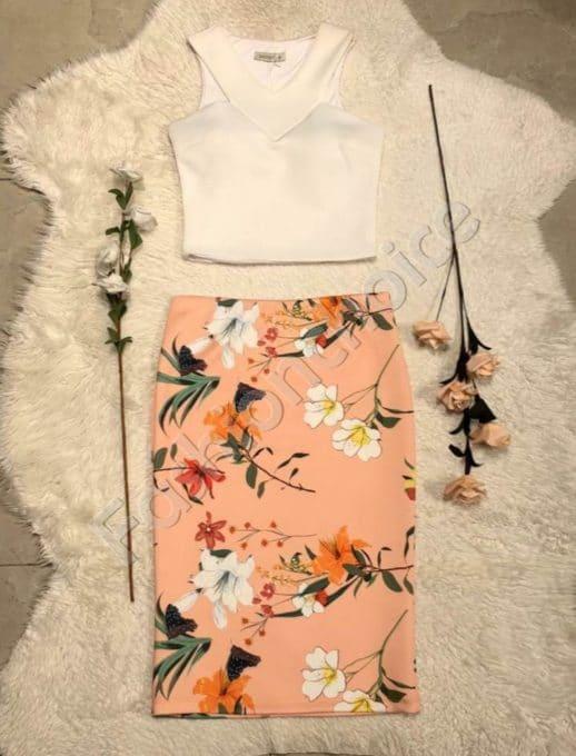 Дамски комплект от бял топ и пола в прасковен цвят код 952-1