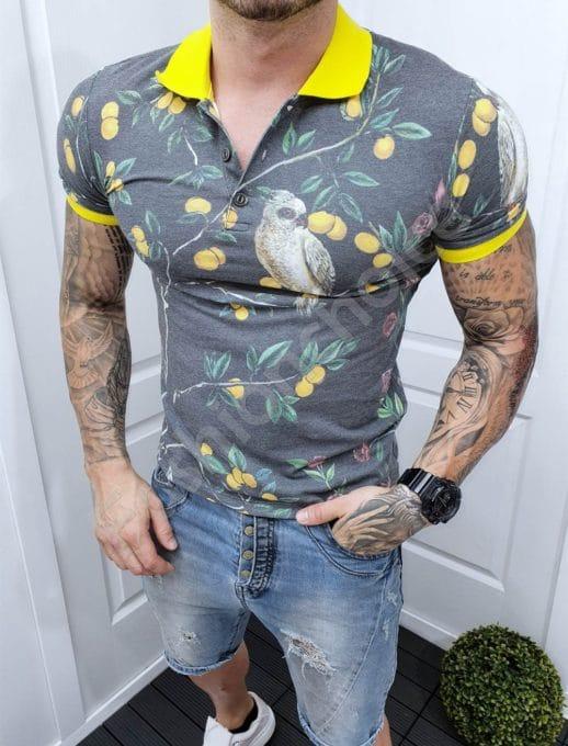Мъжка блуза с якичка и принт папагали-сиво и жълто-код 2504