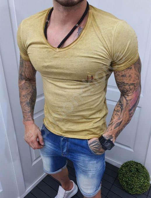 Едноцветна мъжка тениска с джобче-цвят горчица-код 1004-3