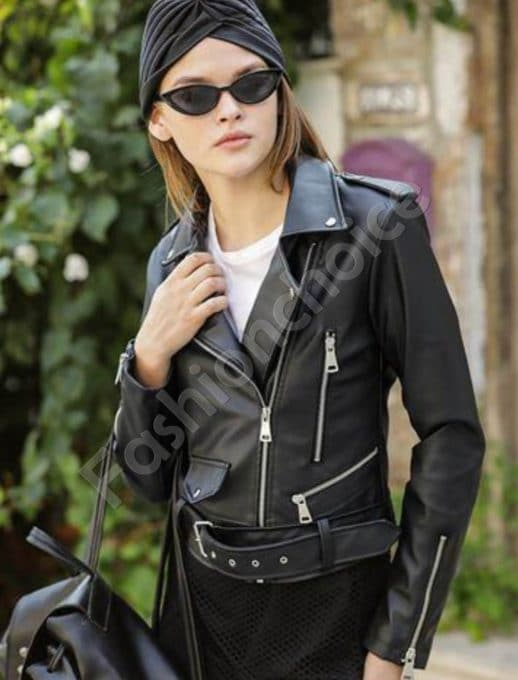 Късо дамско кожено яке в черно с коланче-код 1427-5