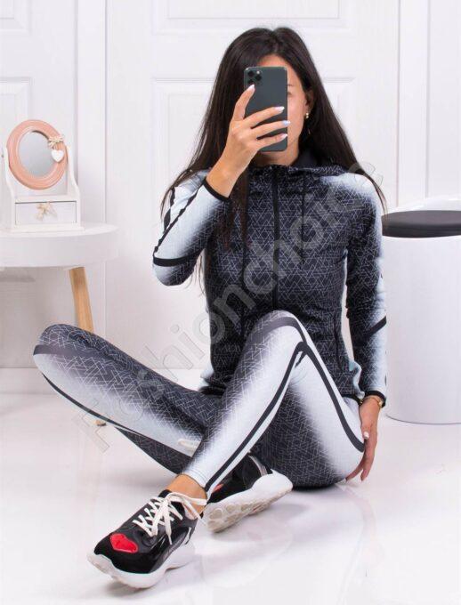Дамски фитнес сет с качулка в черно и мента-код 508
