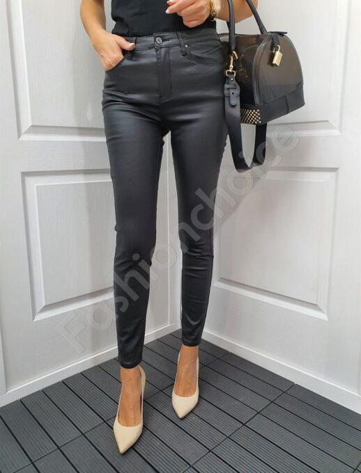 Дамски черен кожен панталон-код 1021